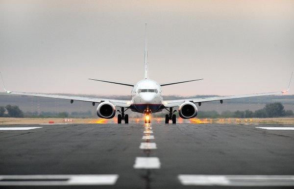 Медики оценили состояние родившей на борту самолета под Ростовом женщины