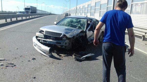 В Тюмени после массового ДТП с пьяным водителем на объездной парализовало движение