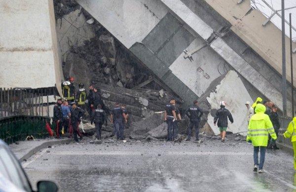 Итальянский футболист выжил во время обрушения моста в Генуе