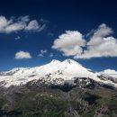 На Эльбрусе с 5300-метровой высоты сорвался турист