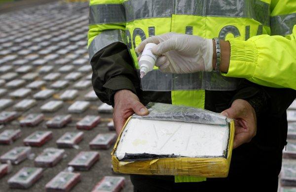В Бельгии задержали 2 тонны кокаина с логотипом «Единой России»