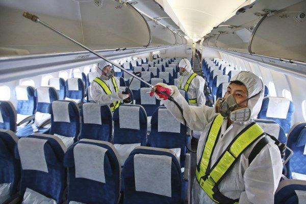Самолёт Emirates отправили на карантин со 100 больными пассажирами