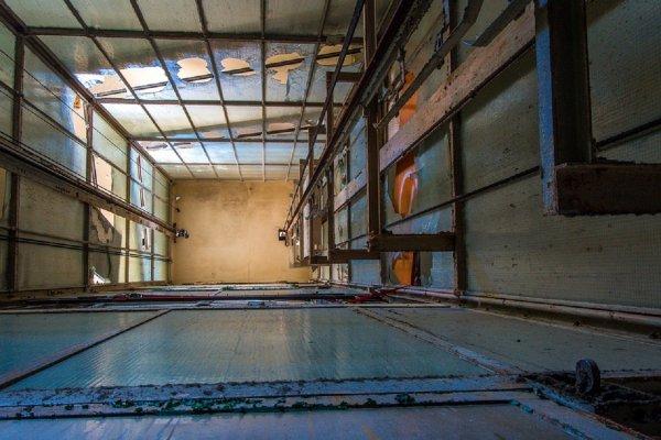 В Перми пенсионерка, спасая застрявших пассажиров, упала в шахту лифта и умерла