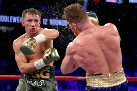 Геннадий Головкин проиграл бой Саулу Альваресу и потерял звание чемпиона мира. ВИДЕО