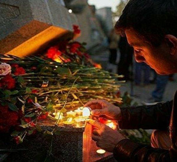 В Керчи состоялись похороны расстрелянных в технологическом колледже людей