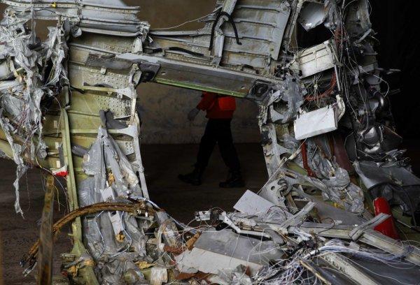 В Яванском море нашли фюзеляж упавшего в Индонезии Boeing 737