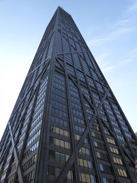 В Чикаго лифт с шестью пассажирами упал с 95 этажа
