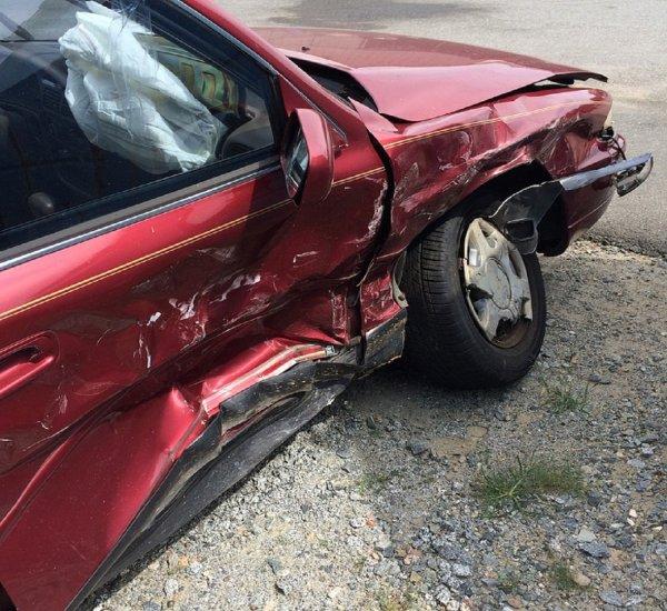 На Дону авто с мертвым пенсионером за рулем врезалось в три машины