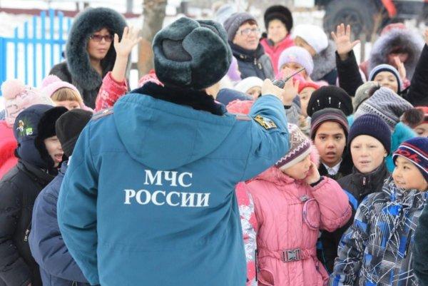 Ложная тревога? В России сообщают о массовом минировании учебных заведений