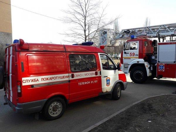 На юго-востоке Москвы потушили пожар возле торгового центра