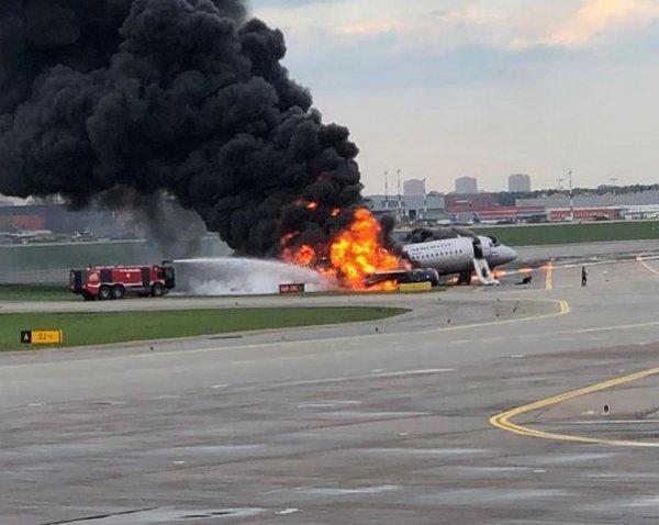 Самолёт горел в молнии: «Чёрные ящики» SSJ-100 расшифровали