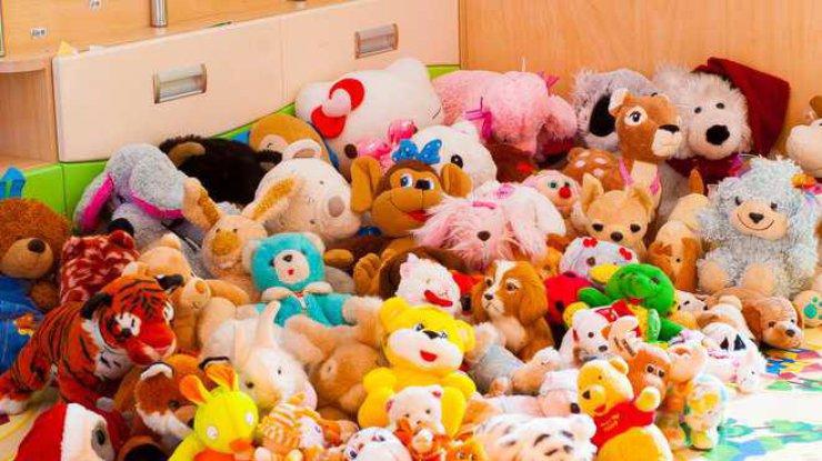 Куда девать ненужные детские игрушки?