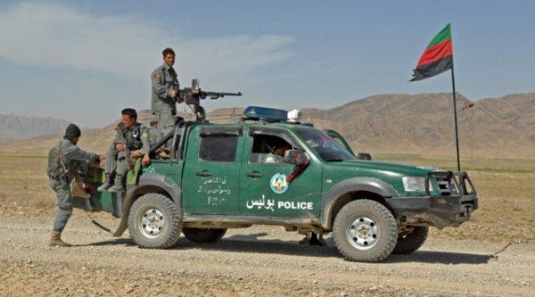 Авто с 11 полицейскими подорвалось на мине в Афганистане