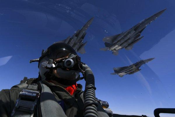 Американский истребитель F-15 разбился у берегов Англии