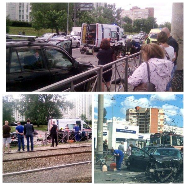 В массовом ДТП в Петербурге погиб человек